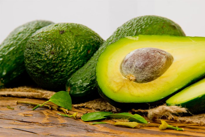 calories in half an avocado