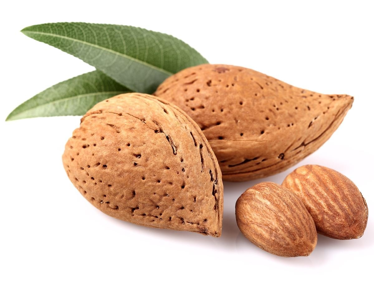 how many calories in almonds